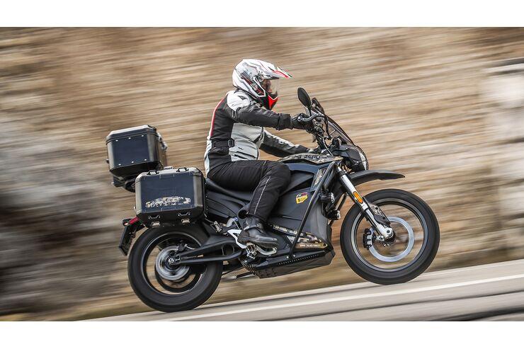 elektro touring motorrad zero dsr black forest 2018. Black Bedroom Furniture Sets. Home Design Ideas